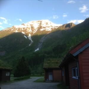 Hütten unterhalb des Gletschers